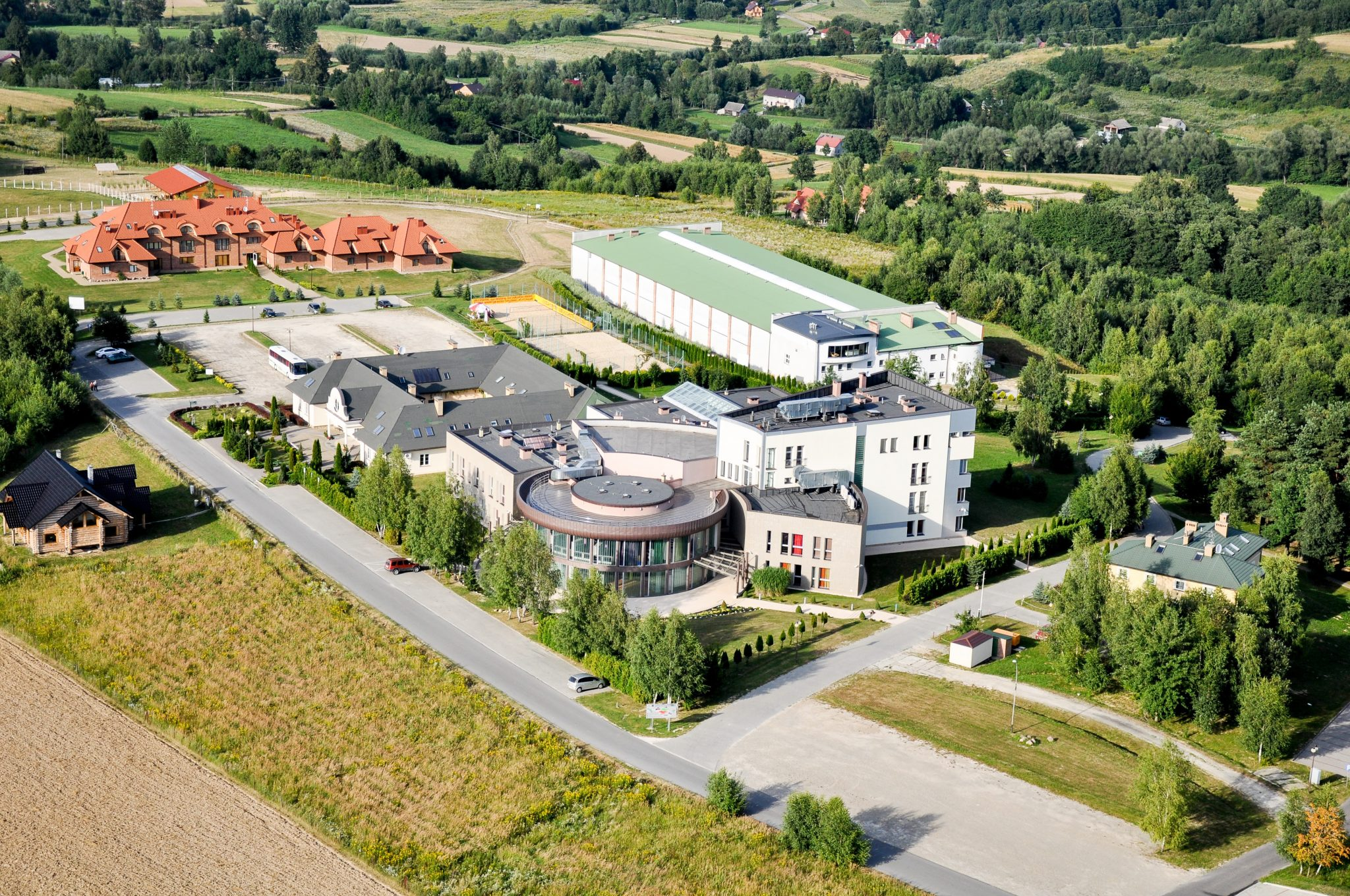 Zdjęcia uczelni
