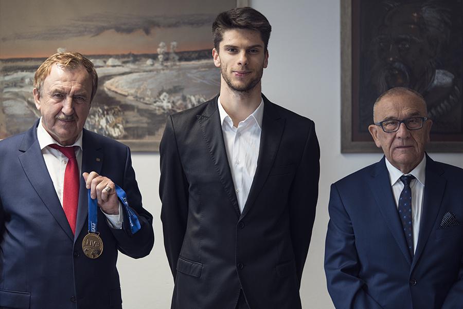 Rozmowa weekendowa zAleksandrem Śliwką, złotym medalistą Mistrzostw Świata wSiatkówce Mężczyzn 2018