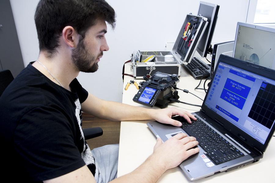CEM w Kielnarowej. Laboratorium Projektowania Sieci Komputerowych i Teleinformatycznych.