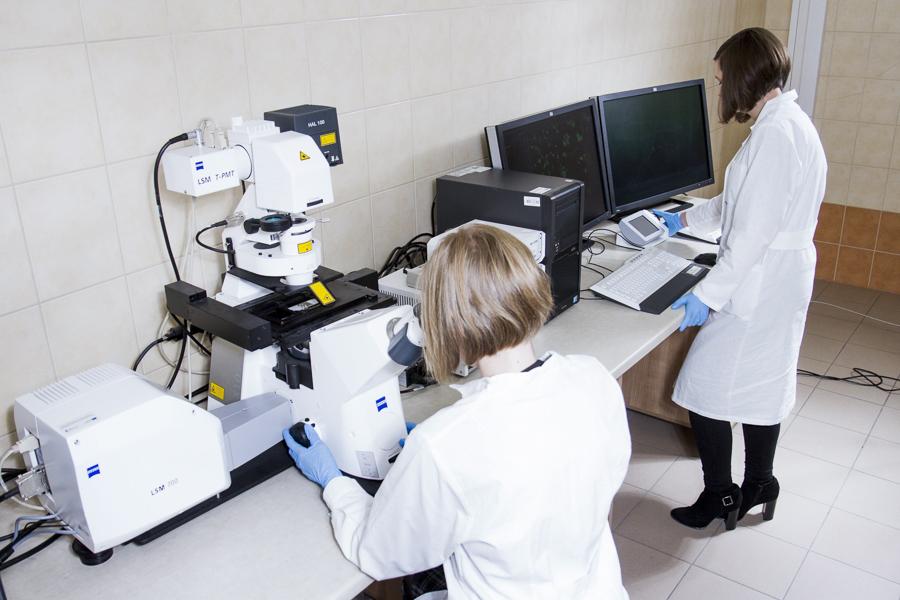 CEM w Kielnarowej. Laboratorium Hodowli Komórek i Tkanek.