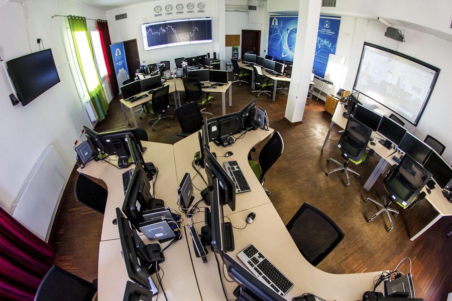 CEM w Kielnarowej. Laboratorium Finansowe.