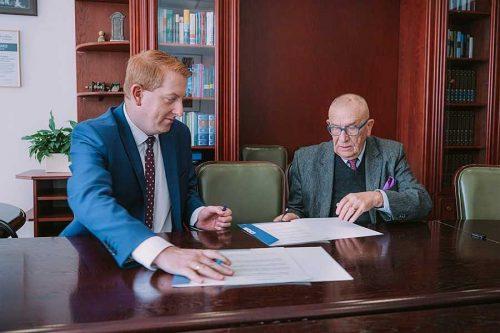 Podpisanie umowy WSIiZ iARiMR