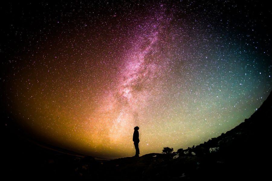 Dlaczego nasz Wszechświat jest taki, jaki jest? Problem Stałej Kosmologicznej i Ciemnej Materii