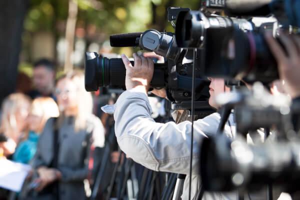 KATEDRA MEDIÓW, DZIENNIKARSTWA IKOMUNIKACJI SPOŁECZNEJ