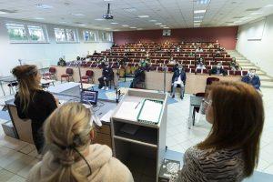 Studenci Iroku napierwszym spotkaniu koronawirus